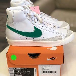 Nike Blazer Mid '77 VNTG M SZ 4 & 5.5W BQ6806-300